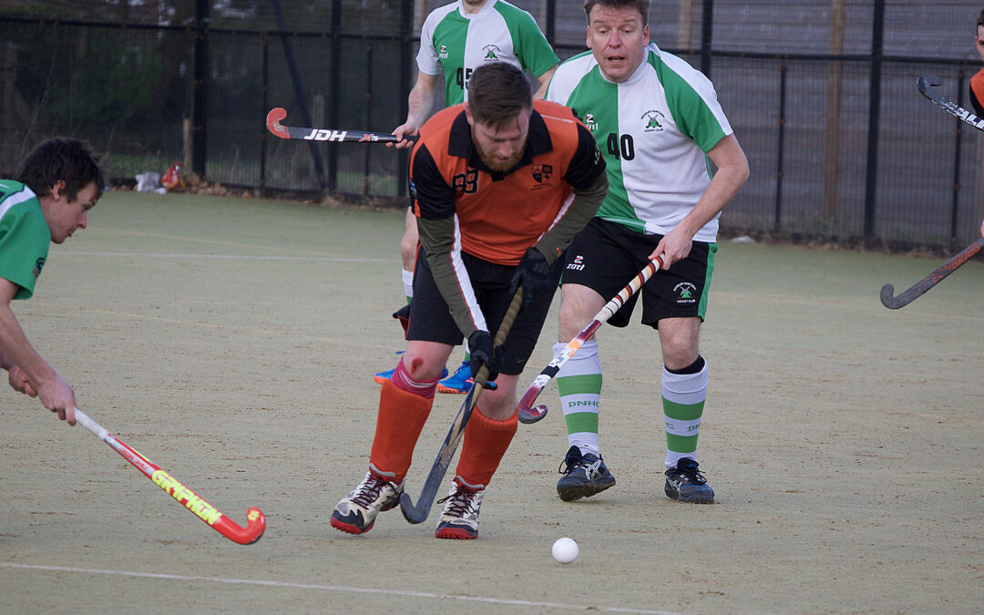 Rochdale Mens 2s 2 – 3 South Manchester 1s Match Report